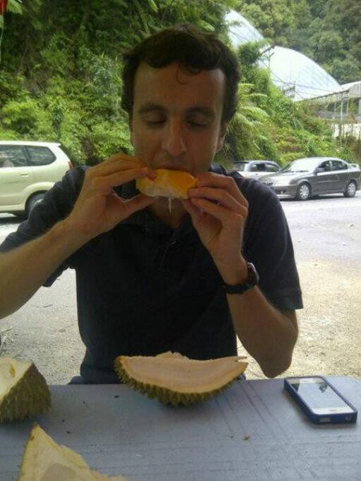 An Outing With Guest To Cameron Highland and He took the courage to taste the Fruit of KING - DURIAN.... (Smells like heaven, tastes like shitake mushrooms)