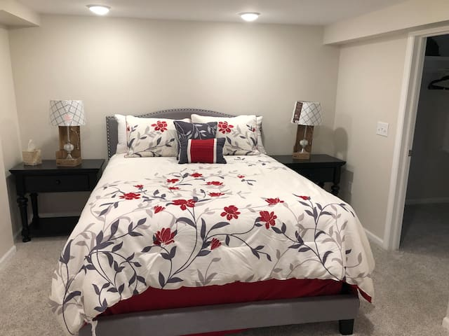 Basement Master with Queen bed.