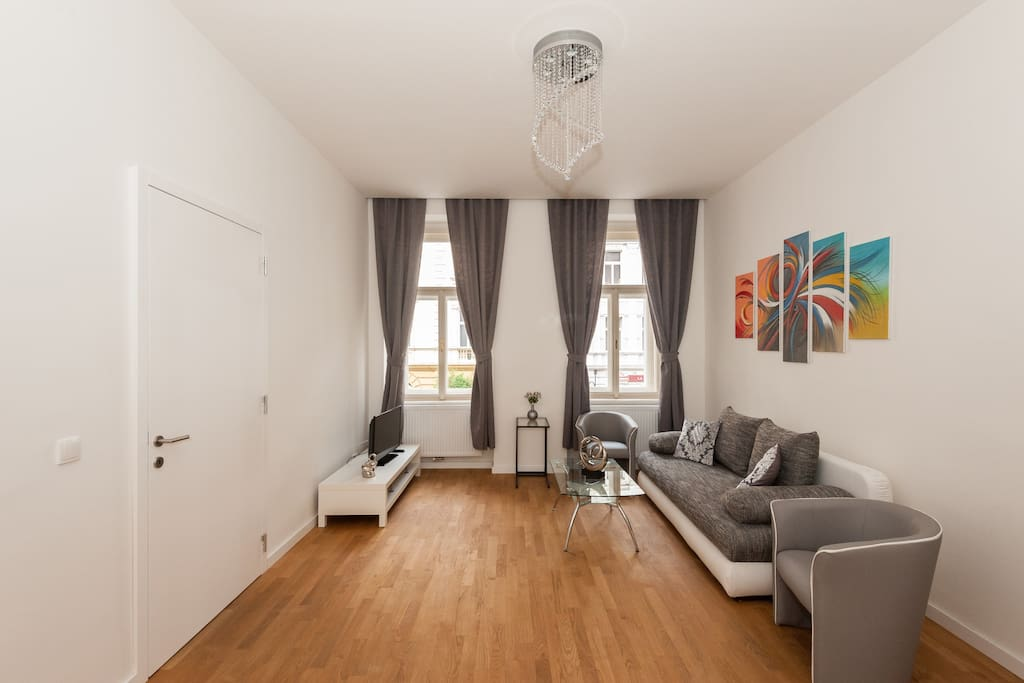 Designer modern 2bdr apartment 80m2 apartments for rent for Designer apartment prague