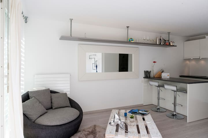 Cozy, modern & Sunny Studio! - Locarno - Apartment