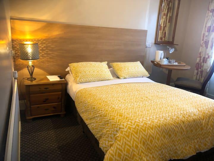 Double room with en-suite in Drogheda B & B