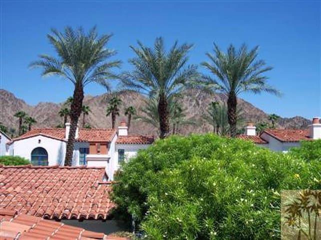 La Quinta Resort Spa Villa (Upper)1 bd/1 bath/sofa