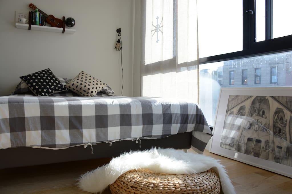 very comfy queens size bed