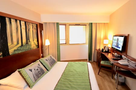 GREEN HOTELS PARIS 13 DOUBLE BED AND BREAKFAST - Paris