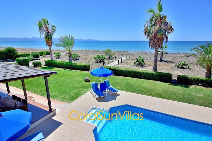 DIRECT TO SANDY BEACH (30m), IMPRESSIVE VILLA