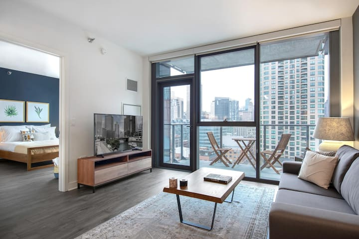Lovely River North 1BR w/ Gym, near the Riverwalk by Blueground