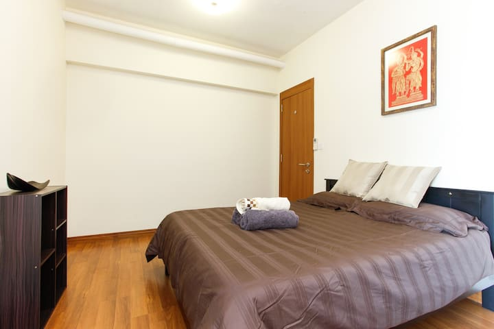 King size room, great condo/access - Куала-Лумпур - Квартира