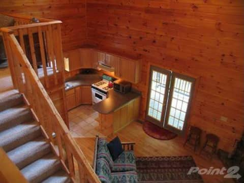 Private Beautiful Cabin on 6 acres Ellijay