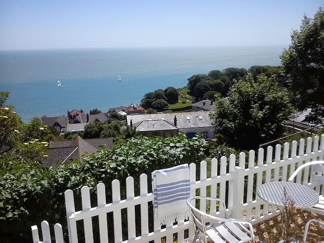 OCEAN VIEW - WHOLE HOLIDAY COTTAGE - Ventnor - Casa