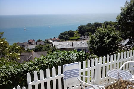 OCEAN VIEW - WHOLE HOLIDAY COTTAGE - Ventnor - Talo