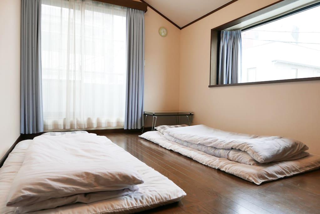 301室 日式睡床 Japanese Futon.
