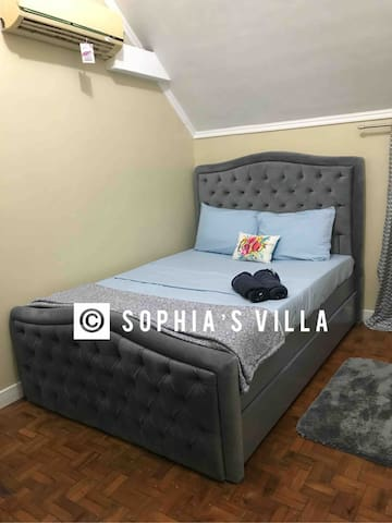 1st Bedroom: New Queen's Bed with single pull out bed. Room is with A/C. Extra air bed can be provided when needed.