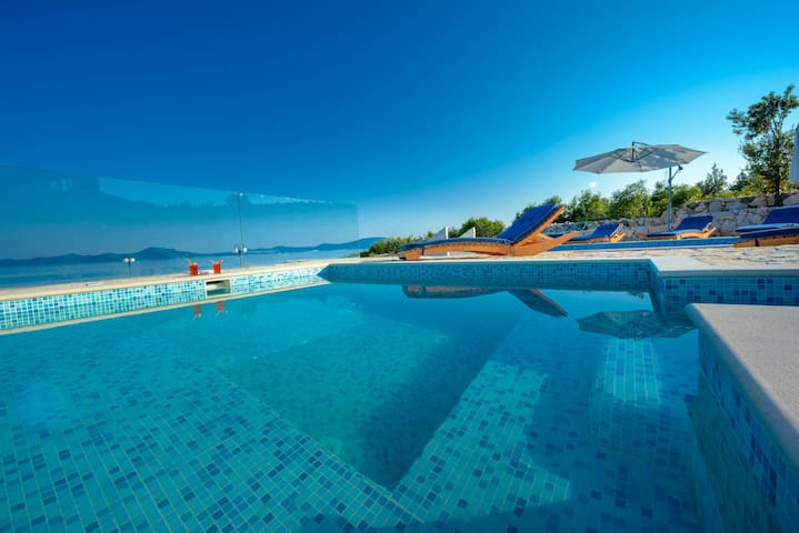 Private Beach Villa with Pool Dubrovnik Riviera - Doli