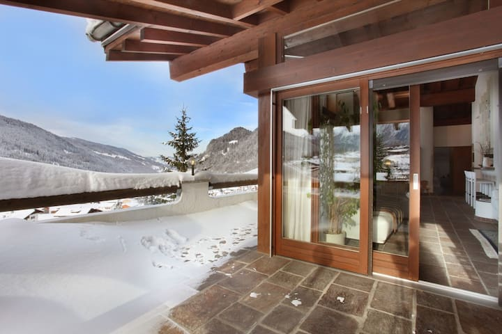 Gorgeous Penthouse Apartment with stunning view - Klosters-Serneus - Apartamento