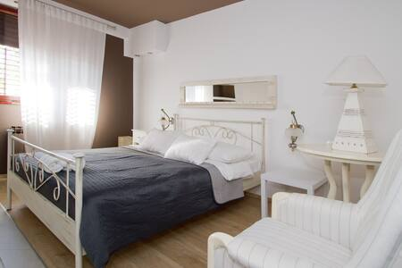 Luxury 2BD  apt, close to the Sea - Poreč