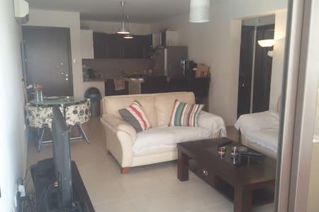 Apartment - 2 Bedroom - New blg - Mazotos - Appartement