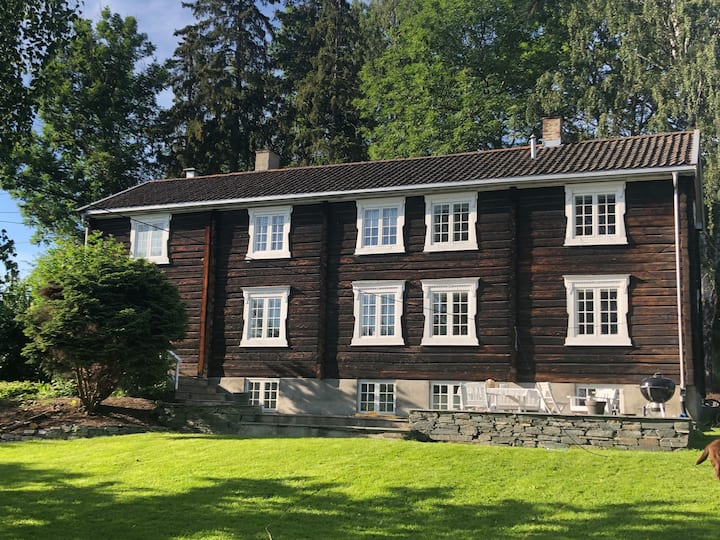 New renovated timberhouse,240 m2, 20 min from Oslo