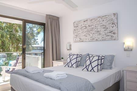 Master Bedroom / Balcony - Apt 01