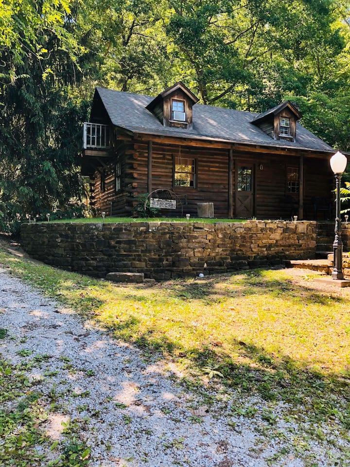 The Arkansan Cabin
