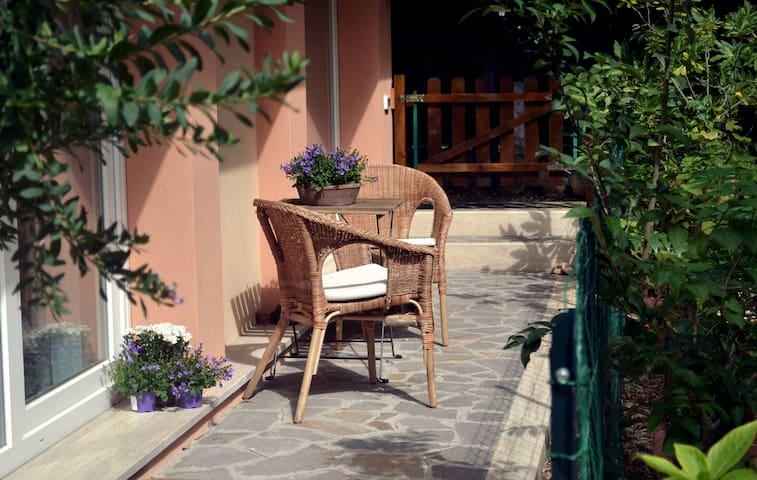 Romantic apartment  in Rome