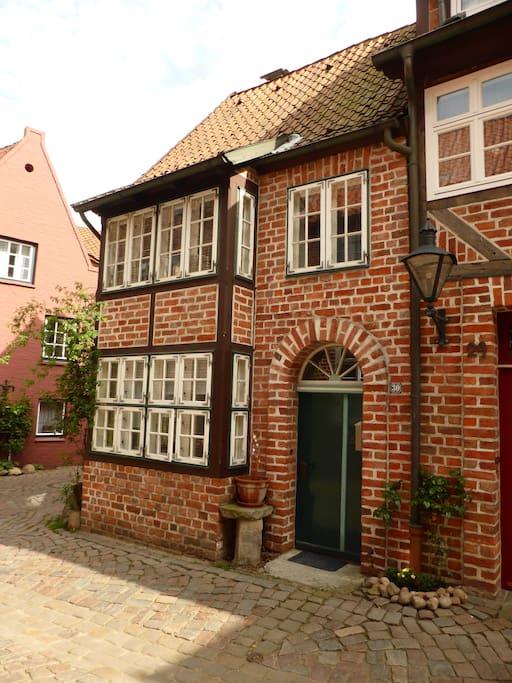 ferienwohnung mitten in l neburg apartments zur miete in l neburg lower saxony deutschland. Black Bedroom Furniture Sets. Home Design Ideas