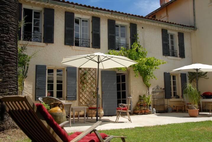 Mas provençal avec piscine et mer - Bormes-les-Mimosas - House