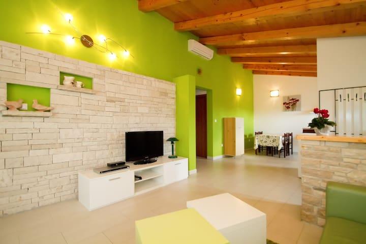 House Tri Marije - Novaki Pazinski 16 - Casa