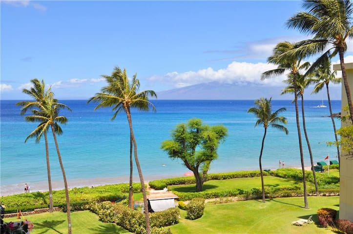 Whaler at Kaanapali Beach #514: Completely Renovated and well-appointed Studio Ocean View condo on the 5th Floor of Tower I, sleeps 2