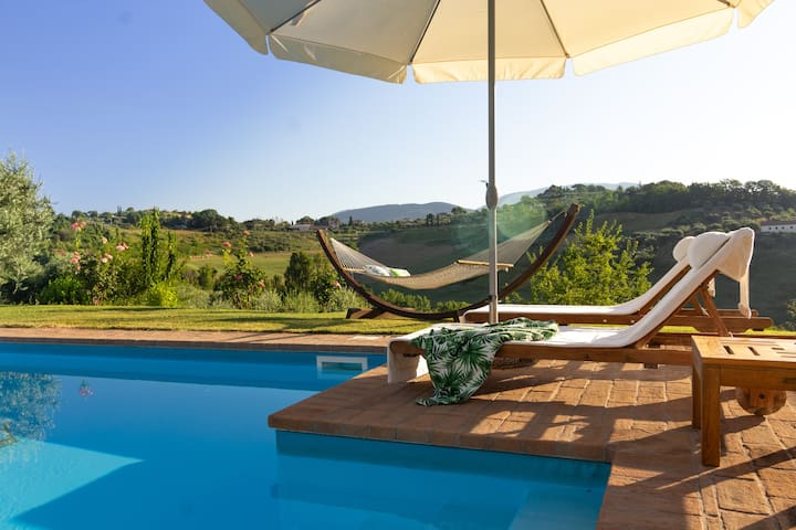 Villa with Large Pool in the Rome Countryside