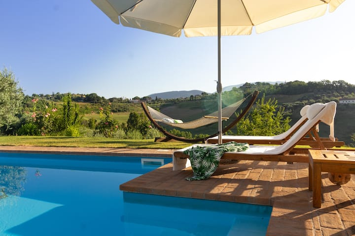 Villa with private pool, wifi+airco close to Rome