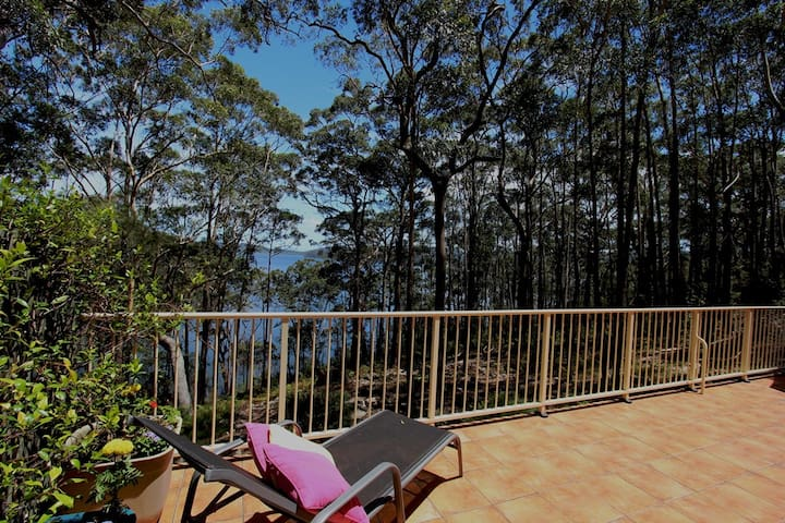 Aqua Vista: Relax, Peaceful & Stunning lake views - Smiths Lake