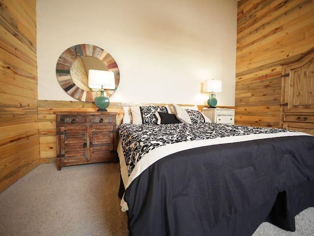 Beautiful Studio Loft - Granby - Daire