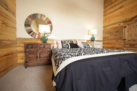 Beautiful Studio Loft - Granby - Lejlighed