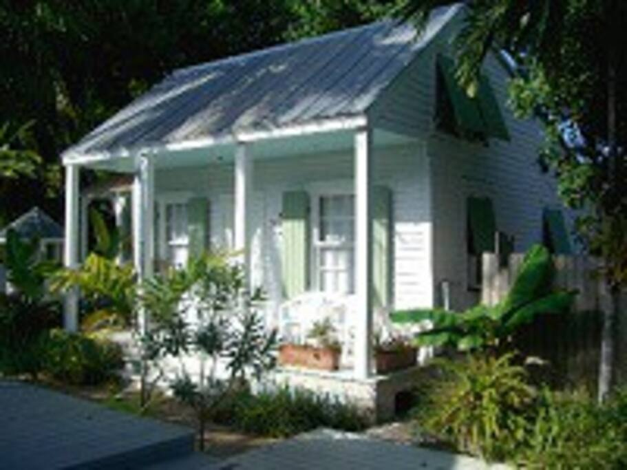 Historic key west conch house sleeps 5 houses for for Elevated key west style house plans