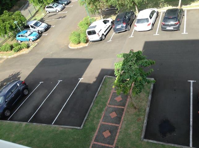 Parking exterieur