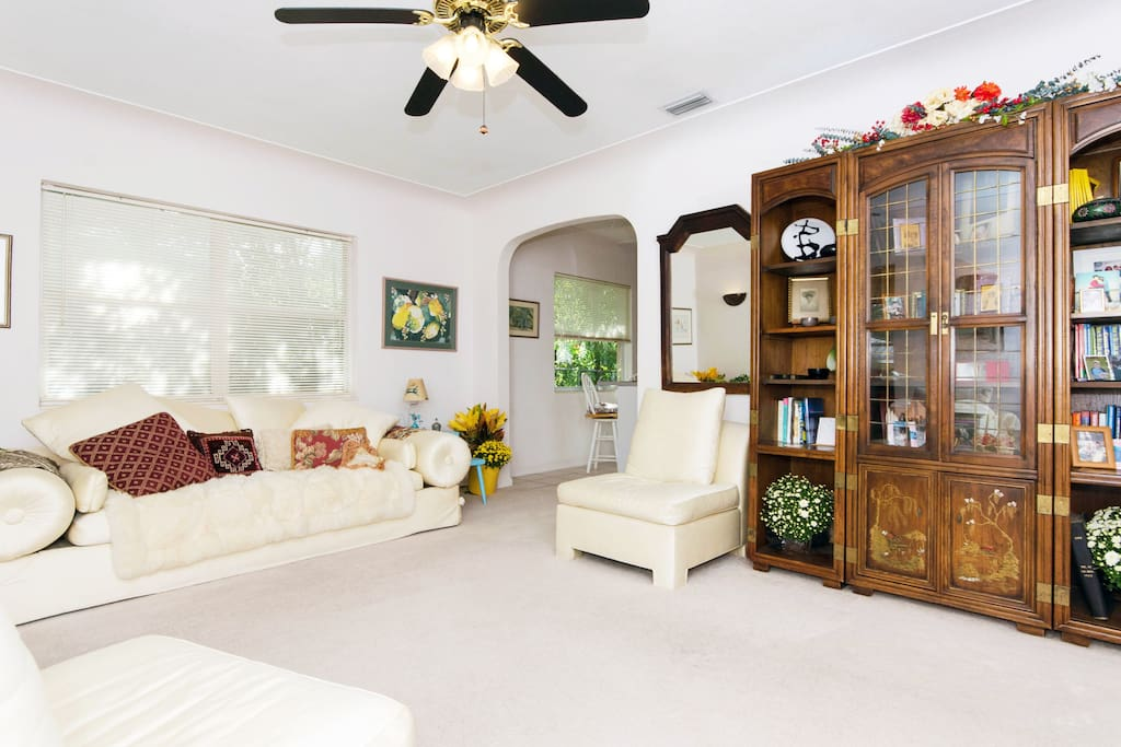 Full use of home. Comfortable Living Room - Make yourself at home.