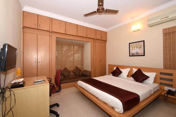 Private Room in Ulsoor lake , Bangalore-USRVT1