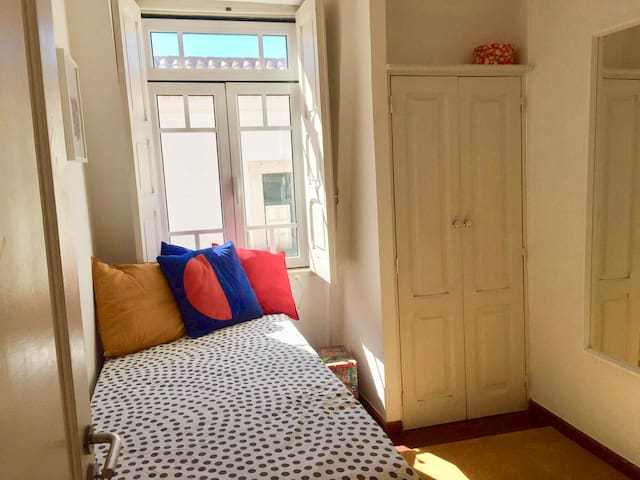 Single Room! In the Heart of Lisbon!