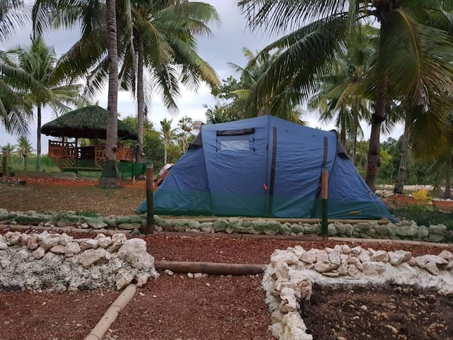 4pers family tent in Nirvana shared hot shower/CR