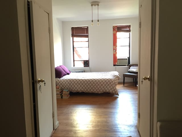 Bright 1 Bedroom in the heart of the East Village