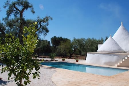 Top vakantie (villa) trullo in Puglia  zuid Italie - Latiano - Huvila