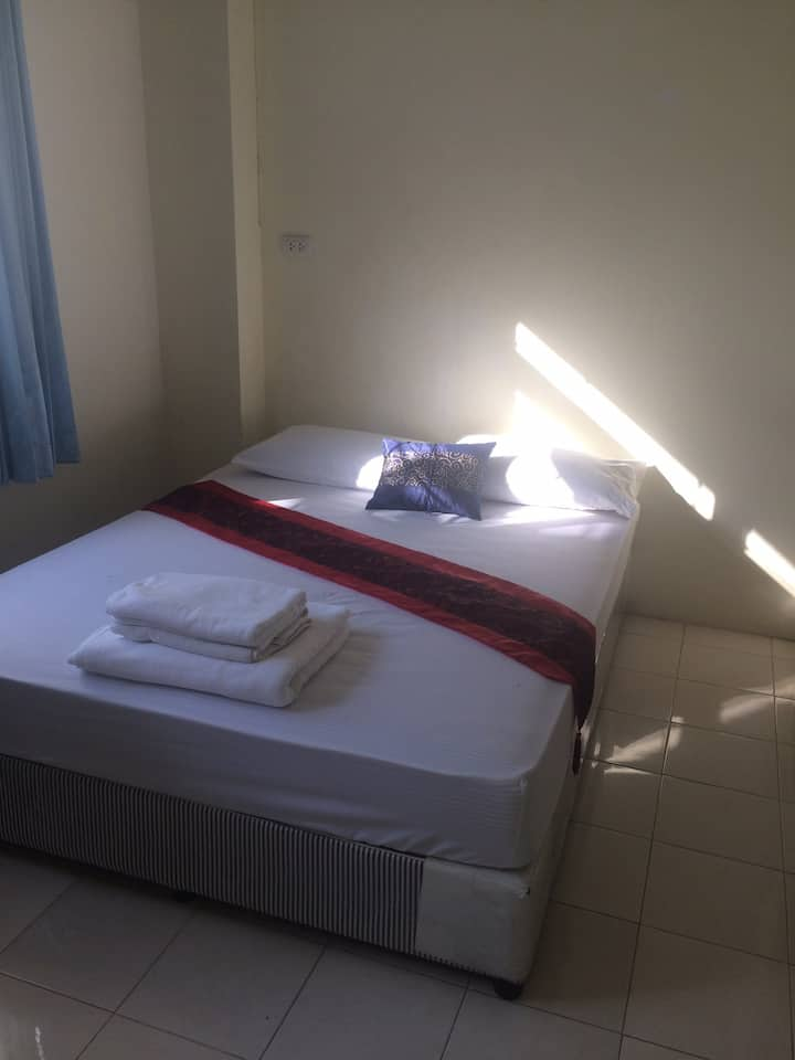 J HOME Double Room With Private Bathroom