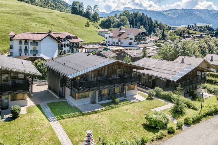 Hip apartment with balcony in the heart of the Kitzbüheler Alps