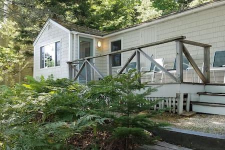 Pemaquid Cottage with Camden Hills trails access