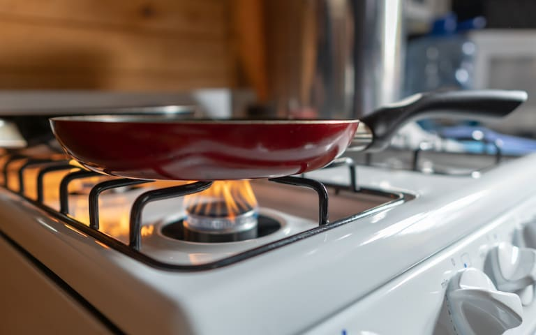 Full gas range and oven.