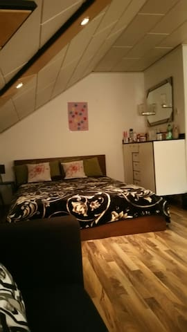 Good and comfortable one room - Wien - Talo