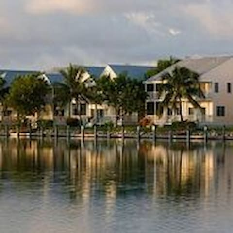 Luxury 2BR Villa with Sunset Views in Duck Key - Duck Key