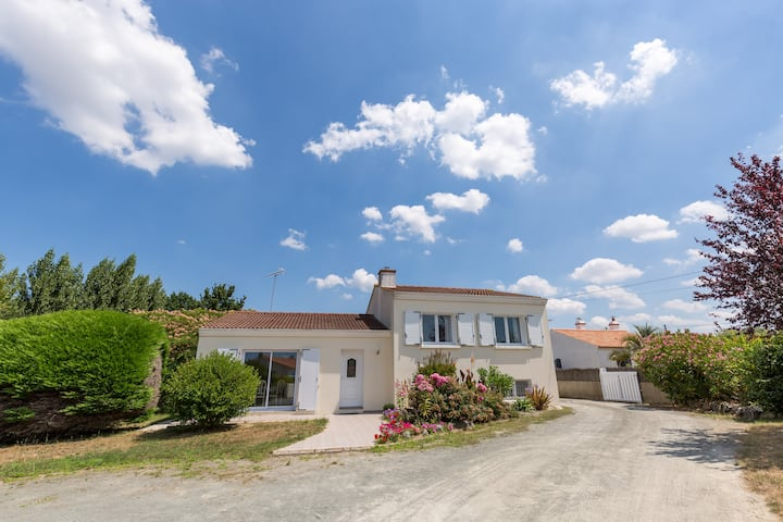 Le Soleil, Villa for 6 with 3 bedrooms