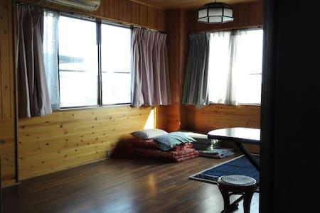 静かな山の中海まですぐ2階洋室1/3エアコン - 焼津市