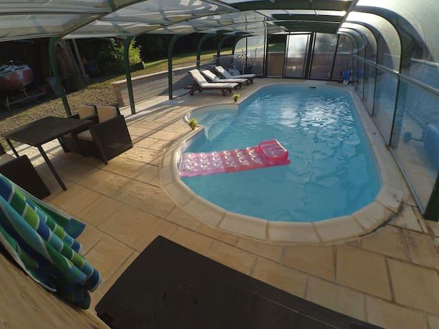 chambre accés indépendant, piscine - Bauquay - Huis